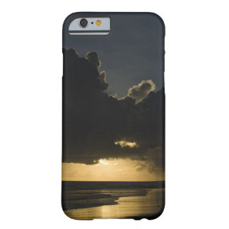 Sunrise over Indian Ocean, Vilanculos, Inhambane Barely There iPhone 6 Case