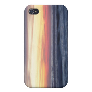 Sunset at the beach iPhone 4 case