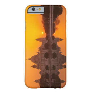 Sunset at the Victoria Memorial Barely There iPhone 6 Case