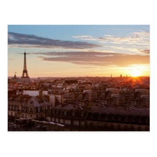 Sunset él the Eiffel tower, París, Francia Tarjeta Postal