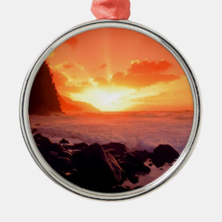 Sunset Napali Kauai Hawaii Round Metal Christmas Ornament