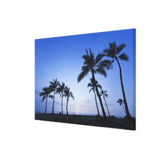 Sunset on Kahaluu Bay in Kona,Hawaii Canvas Print