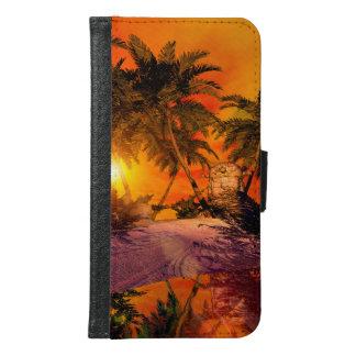 Sunset on the beach wit jungle head