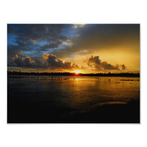 Sunset view of a pond in Maldives Photo