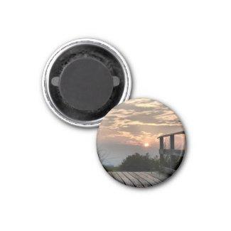 Sunsetting - Magnet magnet
