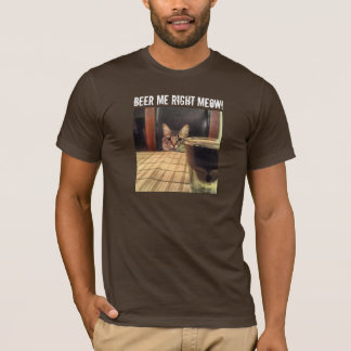 Sup Beer? Funny Humor Kitty Cat Photo Photography T-Shirt