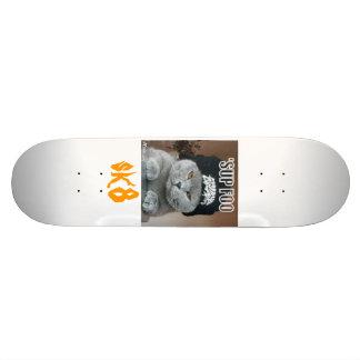 sup foo, sk8 skateboard