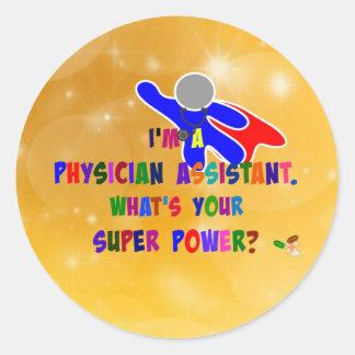 Super héroe del ayudante del médico pegatina redonda