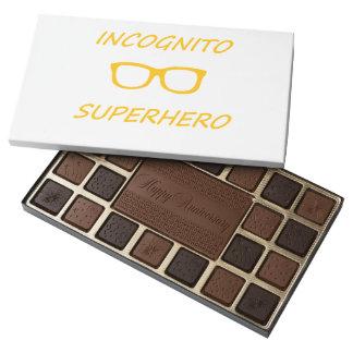 Super héroe incógnito 01O Caja De Bombones Variados Con 45 Piezas
