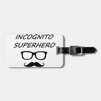 Super héroe incógnito 04B Etiquetas Maleta