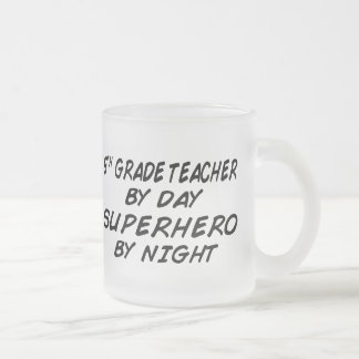 Super héroe por la noche - 5to grado tazas