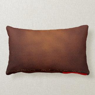 Superficie de cuero de Brown con la etiqueta roja Cojín Lumbar