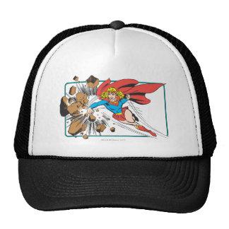 Supergirl destruye Boulder Gorro De Camionero