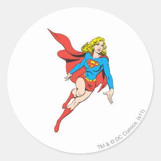 Supergirl en el movimiento pegatina redonda