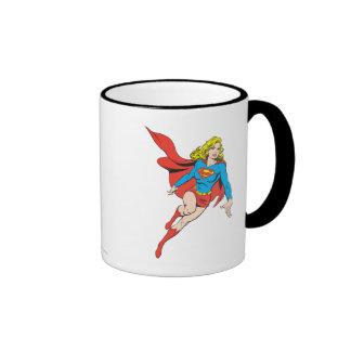 Supergirl en el movimiento taza a dos colores