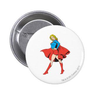 Supergirl pega una actitud pin redondo de 2 pulgadas