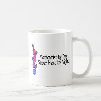 Superhéroe del manicuro taza de café