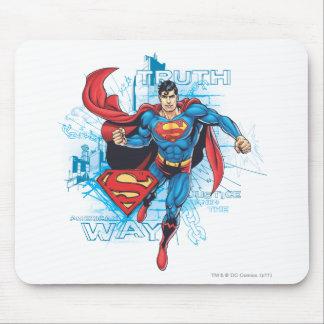 Superhombre con el logotipo alfombrilla de raton