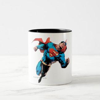 Superhombre en juego taza de café