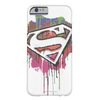 Superhombre - logotipo torcido de la inocencia funda de iPhone 6 barely there