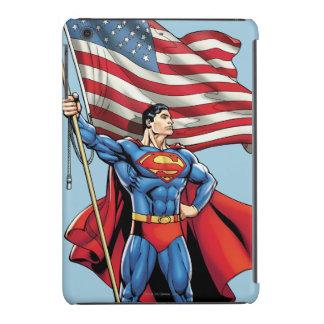 Superhombre que sostiene la bandera de los funda para iPad mini retina