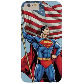 Superhombre que sostiene la bandera de los funda para iPhone 6 plus barely there