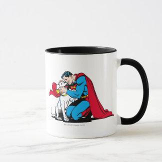 Superhombre y Krypto Taza