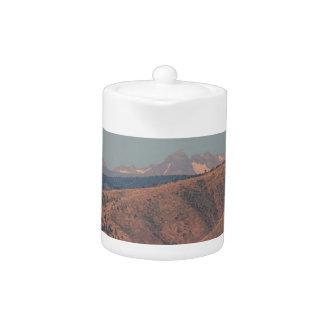 Supermoon sobre las montañas rocosas de Colorado