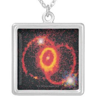 Supernova 2 colgante cuadrado