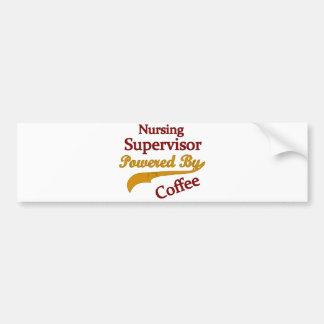 Supervisor del oficio de enfermera accionado por e etiqueta de parachoque