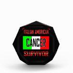 Superviviente americano italiano del cáncer
