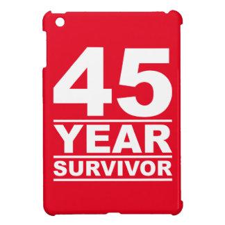 superviviente de 45 años