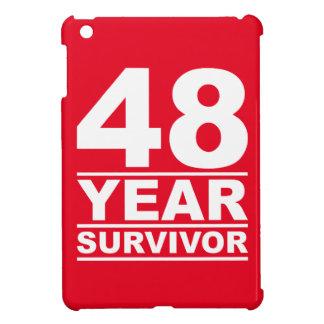 superviviente de 48 años