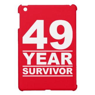superviviente de 49 años