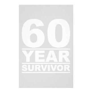 superviviente de 60 años  papeleria de diseño