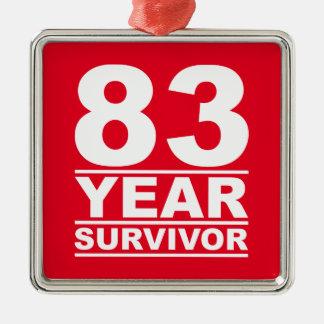 superviviente de 83 años adorno navideño cuadrado de metal