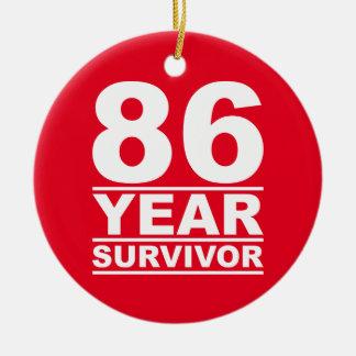 superviviente de 86 años adorno navideño redondo de cerámica
