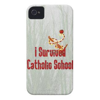 Superviviente de la escuela católica Case-Mate iPhone 4 protectores