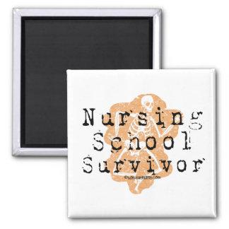 Superviviente de la escuela de enfermería imán cuadrado