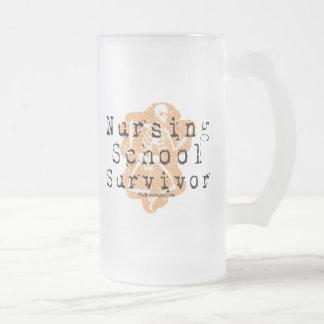 Superviviente de la escuela de enfermería taza de cristal