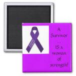 Superviviente de la violencia en el hogar imán de frigorifico