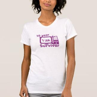 Superviviente de Y2K de 10 años {púrpura} Playera