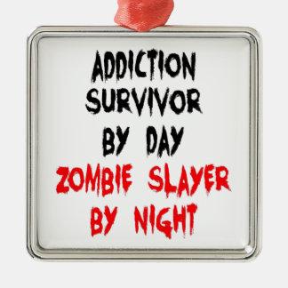 Superviviente del apego del asesino del zombi adorno cuadrado plateado
