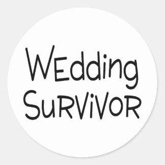 Superviviente del boda pegatina redonda