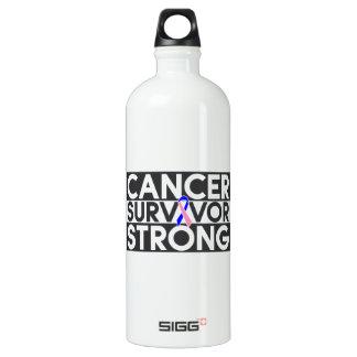 Superviviente masculino del cáncer de pecho fuerte
