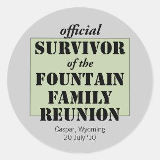 Superviviente oficial de la reunión de familia - pegatina redonda