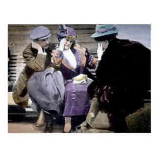 Supervivientes titánicos del RMS en la cubierta de Tarjeta Postal