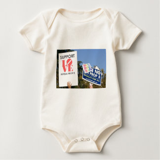Support Love, Not Hate - No on Prop 8 Baby Bodysuit