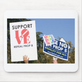 Support Love, Not Hate - No on Prop 8 Mouse Pad