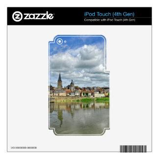Sur el Loira del charite del La en Francia Skins Para iPod Touch 4G